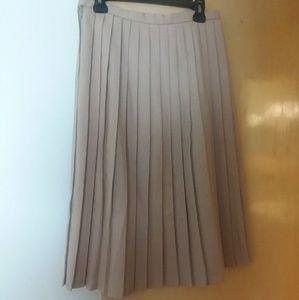 Dresses & Skirts - VINTAGE Pleated Skirt